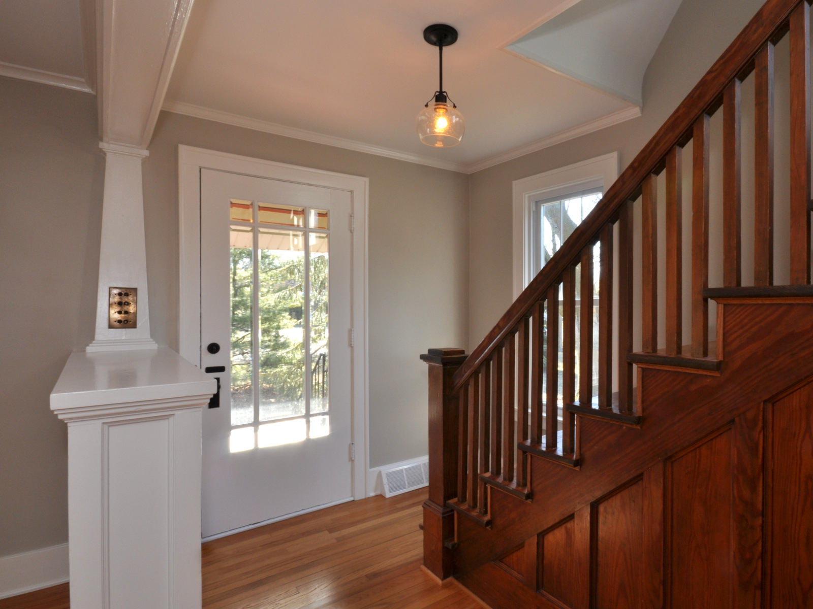 Foyer Lighting Mission Style : New listing pristine craftsman home in plymouth mi bake