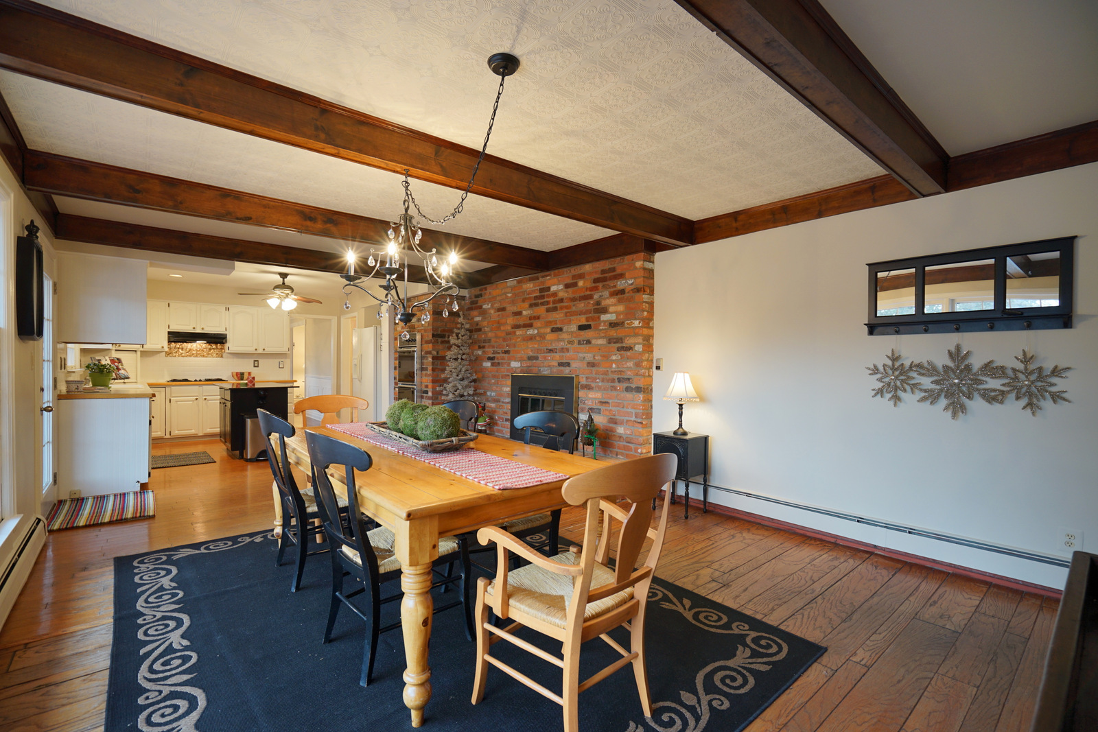 just sold 1435 ann arbor trail colonial in the city of plymouth
