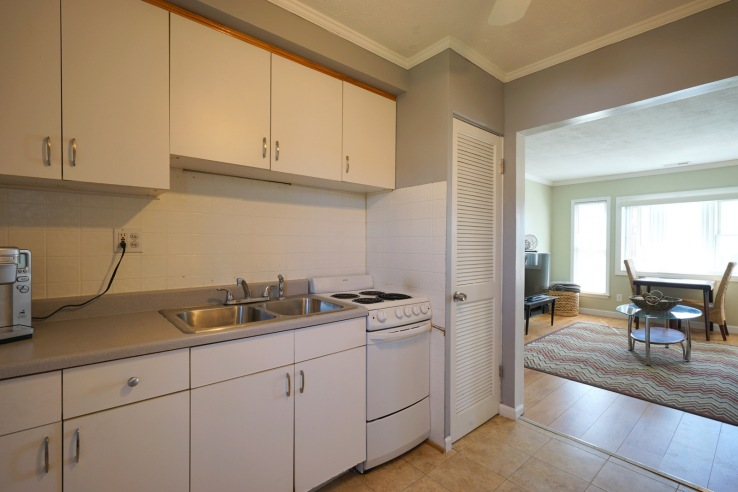 Kitchen to Living Rm
